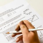 『学生時代の成績を振り返る/ADHD』